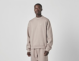 white-nike-nrg-premium-essentials-sweatshirt