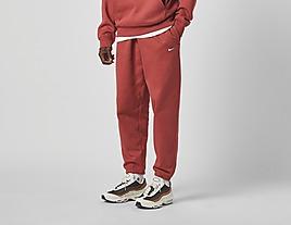 red-nike-qs-premium-essentials-jogger