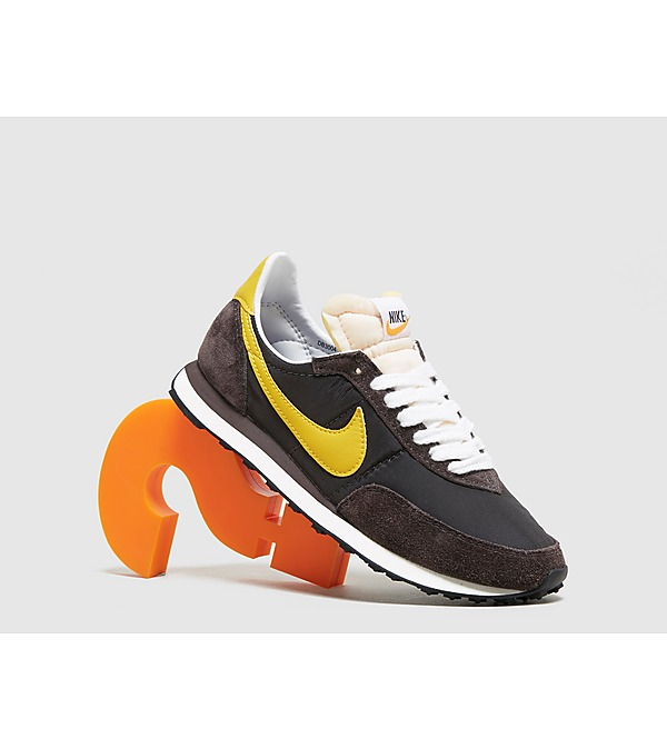 brown-nike-waffle-trainer-sp-womens